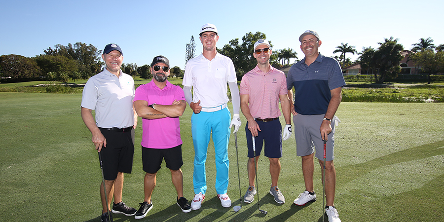 Pro and Am group photo at Saturday pro-am